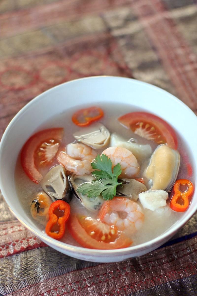 thai-seafood-soup-tom-yum-talay