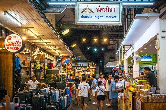chatsila_night_market