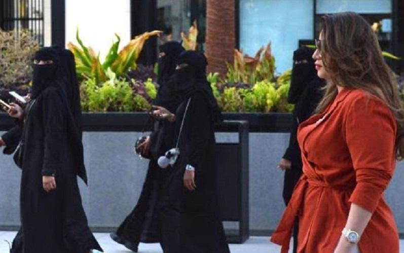 perempuan-arab-saudi-mulai-berani-tanggalkan-abaya-kenapa-hCIOrQHVCg