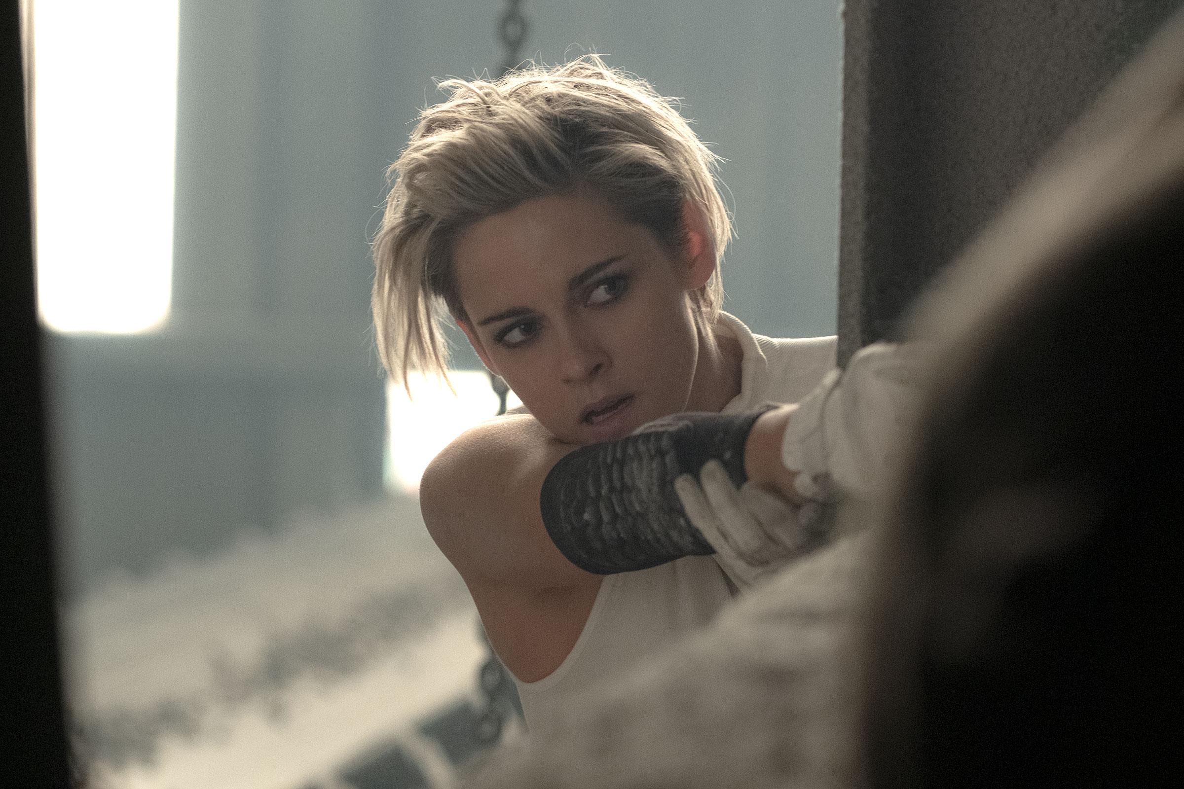 Kristen Stewart in Charlies Angels.